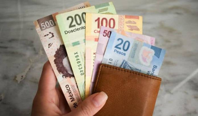 El SAT vigilará los depósitos que superen los 15 mil pesos