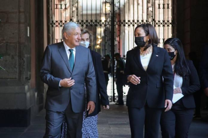 AMLO y Kamala Harris firman acuerdo de cooperación México-EU