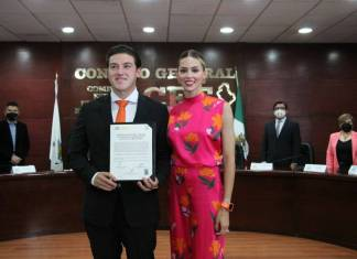 Samuel García recibe constancia de mayoría como gobernador de Nuevo León