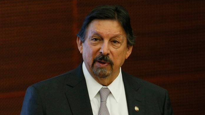 Gómez Urrutia denuncia en su nuevo libro a empresarios corruptos y al servicio del PRIAN