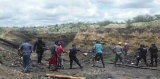 De acuerdo con las autoridades hay siete mineros atrapados en una mina que colapso en Coahuila debido a las inundaciones.