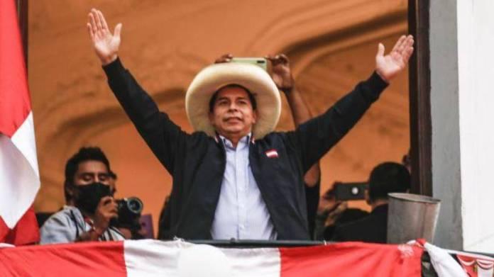 Declaran ganador a Pedro Castillo en elección presidencial de Perú