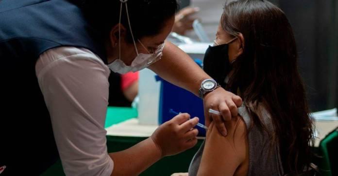 Inicia registro para vacunación a personas de 30 a 39 años