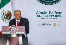 Falso, que AMLO propusiera el Premio de la Dignidad al presidente de Cuba