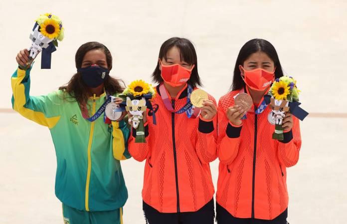 Momiji y Rayssa hacen historia en el skate femenino durante Juegos Olímpicos