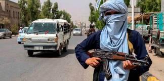 Talibanes exigen que EU salga de Afganistán antes del 31 de agosto