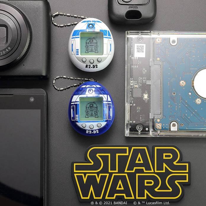 88820 SWTama Lifestyle DeskC 1000 - Tamagotchi lanza versión inspirada en el personaje R2-D2 de Star Wars