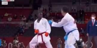 Karateka saudí pierde medalla por noquear a su rival con patada voladora