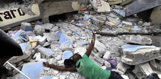 Desastre en Haití; terremoto y alerta de tsunami