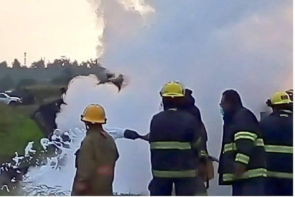 Controlan incendio por huachicoleo en Acolman