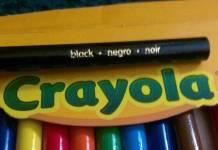 """Crayola es tachada de racista por el color """"negro"""""""