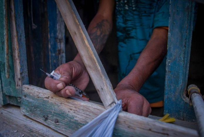 """Sicarios incendian """"picadero"""" en Juárez con personas adentro"""