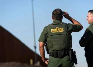 Agentes de migración de EE.UU. son despedidos por comentarios racistas