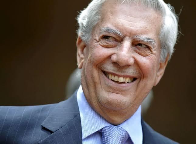 Vargas Llosa utilizó paraísos fiscales para evadir impuestos