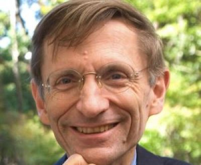 Headshot of Bill Drayton, pioneering social entrepreneur