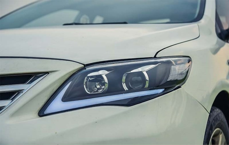 Toyota corolla headlight head light lamp headlamp