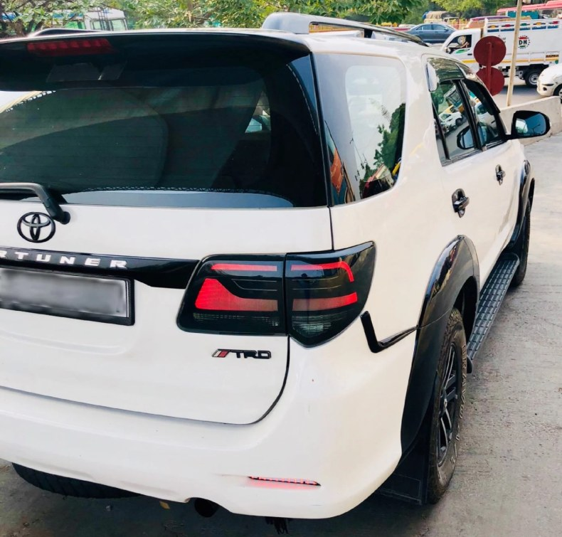 toyota fortuner tail lights qatar