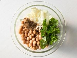 Erster Schritt für das vegane High-Protein-Falafel Rezept