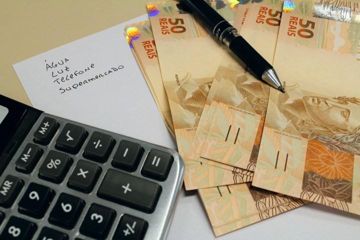 Como planejar as finanças durante o ano