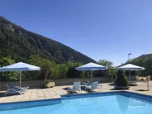 Freibad mit Aussicht im Hotel Regina Terme
