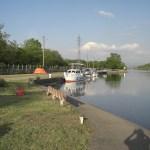 Lager am Canal du Rhône au Rhin