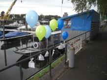 6 bunte Heliumballone mit Ballonpost