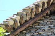 Dacheindeckung aus Gneis Natursteinplatten