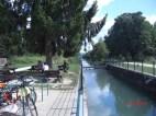 Canal d'Huningue, Ehemalige Schleuse Neuweg mit Rastplatz am Schleusenwärterhaus, heute Parkinformation