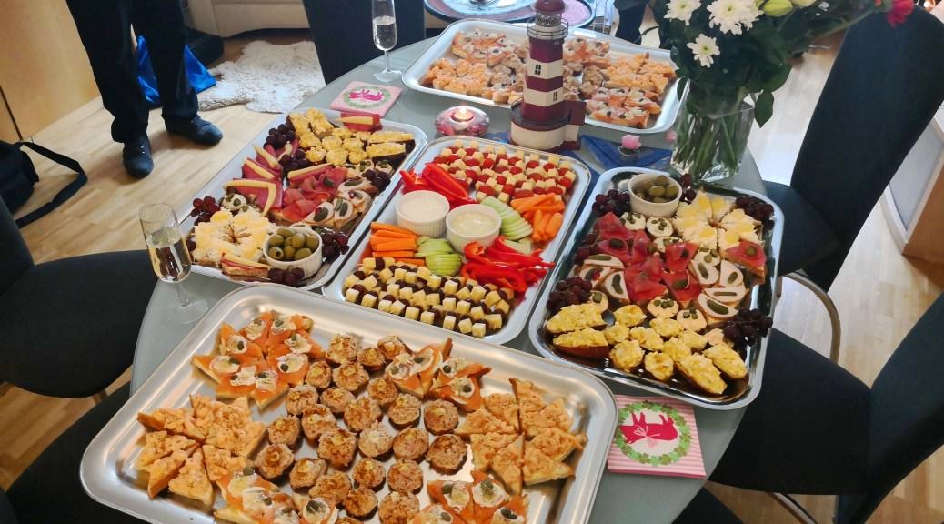 Regioboot Neujahrsapéro 2019, Tisch mit 5 Platten amuse bouche