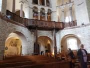 Abteikirche Ottmarsheim. Innenraum mit Blick auf die Orgel