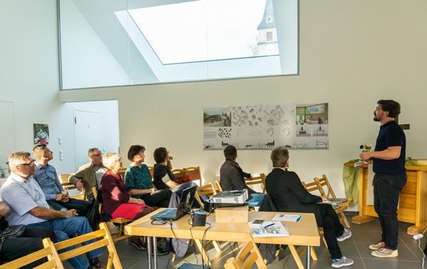 Herr Unger, ABOA Architketen erläutert den Entwurf