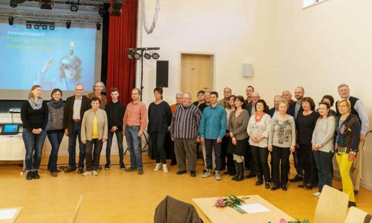 Gruppenfoto aller Teilnehmer des Ideenwettbewerbs 2019 des Schönburger Landes