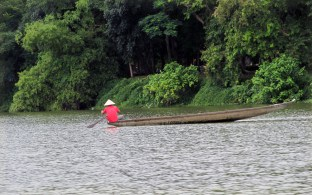 Perfume River, Huế