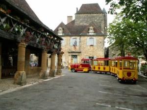 Domme express : Petit train routier