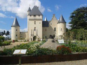 Château du Rivau, ses Ecuries Royales et ses Jardins de Contes de Fées
