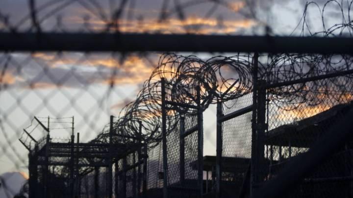 Los presos de Guantánamo juegan a títulos de PlayStation 3