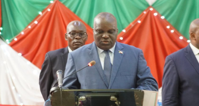 The Burundian Parliament rejects the African Union president's words on Ndadaye case.