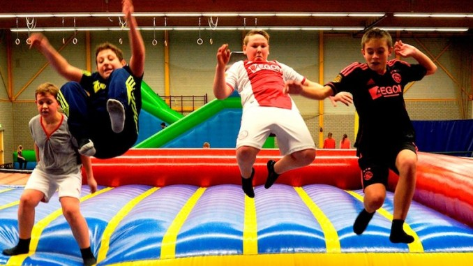 Kinderen Sportief En Creatief Actief Tijdens Purvak In
