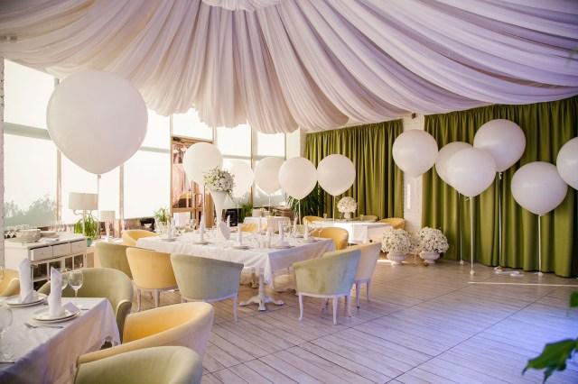 Baloon Decorations Wedding Balloon Decorations For A Wedding Reception Lovetoknow