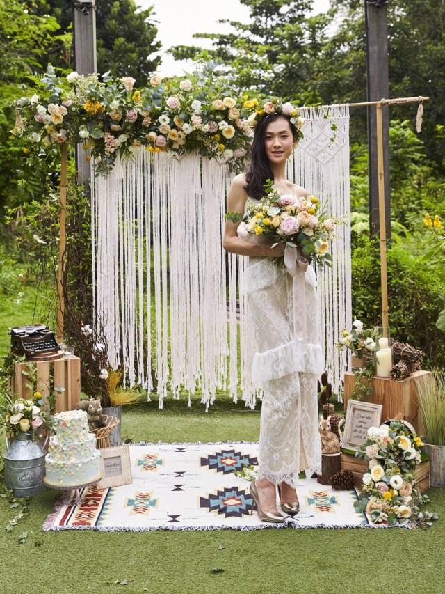 Diy Wedding Backdrop A Pretty Woodland Themed Wedding Backdrop You Can Easily Diy