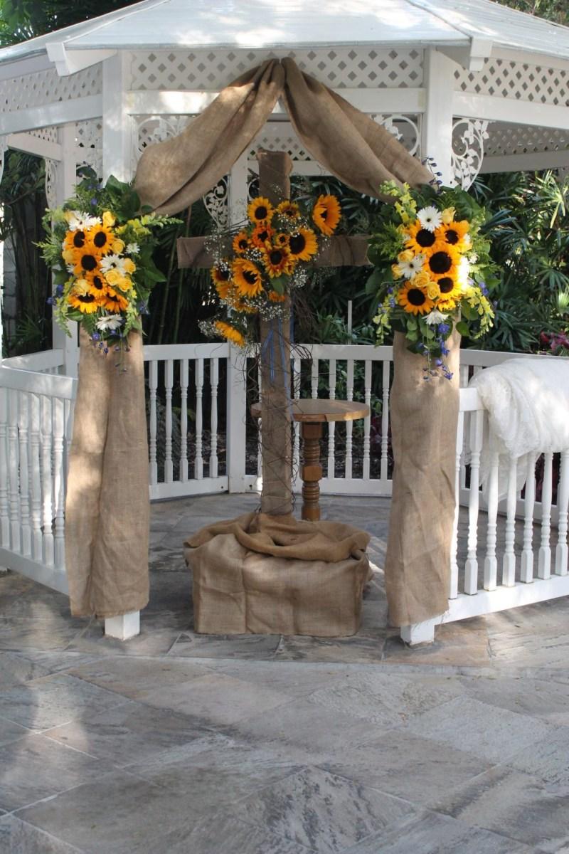 Easy Diy Wedding Decorations Diy Wedding Gazebo Decorations Outdoor Wedding Gazebo Decorations
