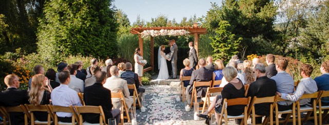 Intamite Wedding Ceremony Small Wedding Venues In Washington State Willows Lodge