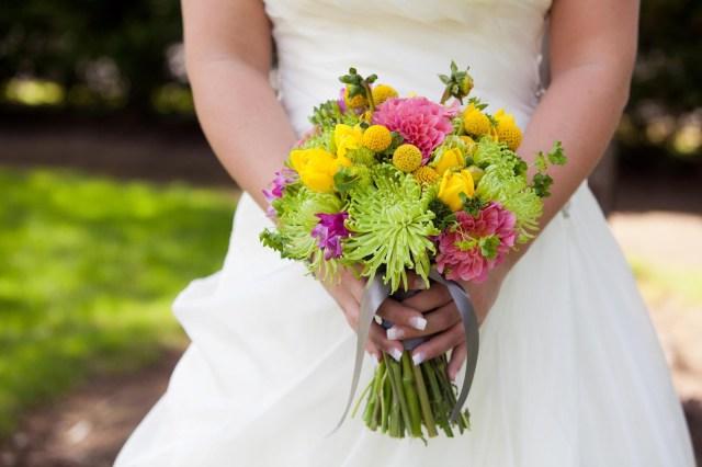 Mums Wedding Decor Pink Yellow Lime Green Real Wedding Jens Blossoms Blog