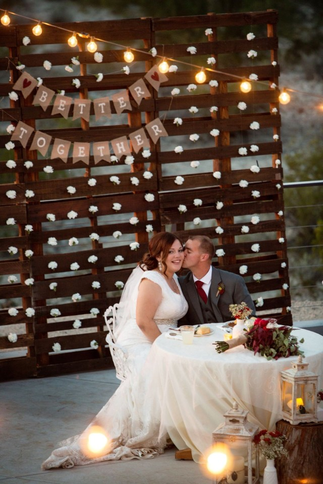 Pallets Wedding Ideas Find Out Full Gallery Of Awesome Tacky Wedding Ideas Displaying