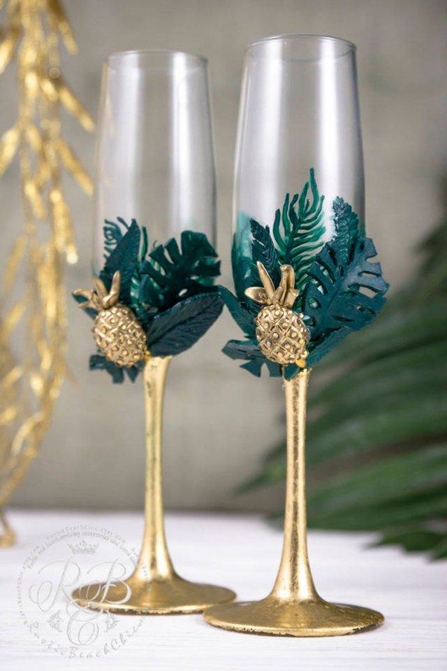 Pineapple Wedding Decor Wedding Flutes Champagne Glasses Toasting Glasses Tropical Etsy