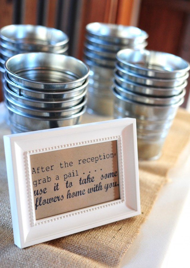 Wedding Suvenirs Ideas 18 Wedding Favor Ideas That Arent Useless Or Boring Weddingwire
