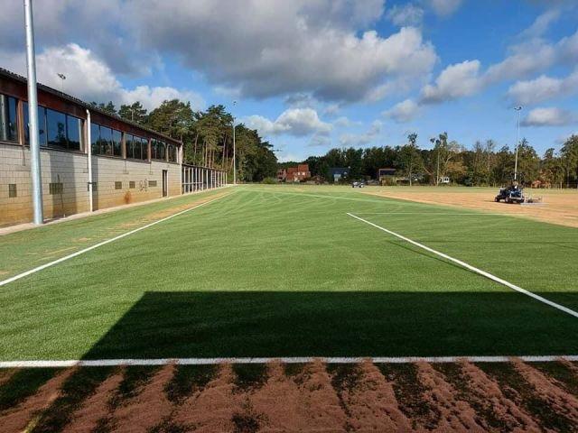 """Het kunstgrasveld van RWL Sport """"in aanbouw"""""""