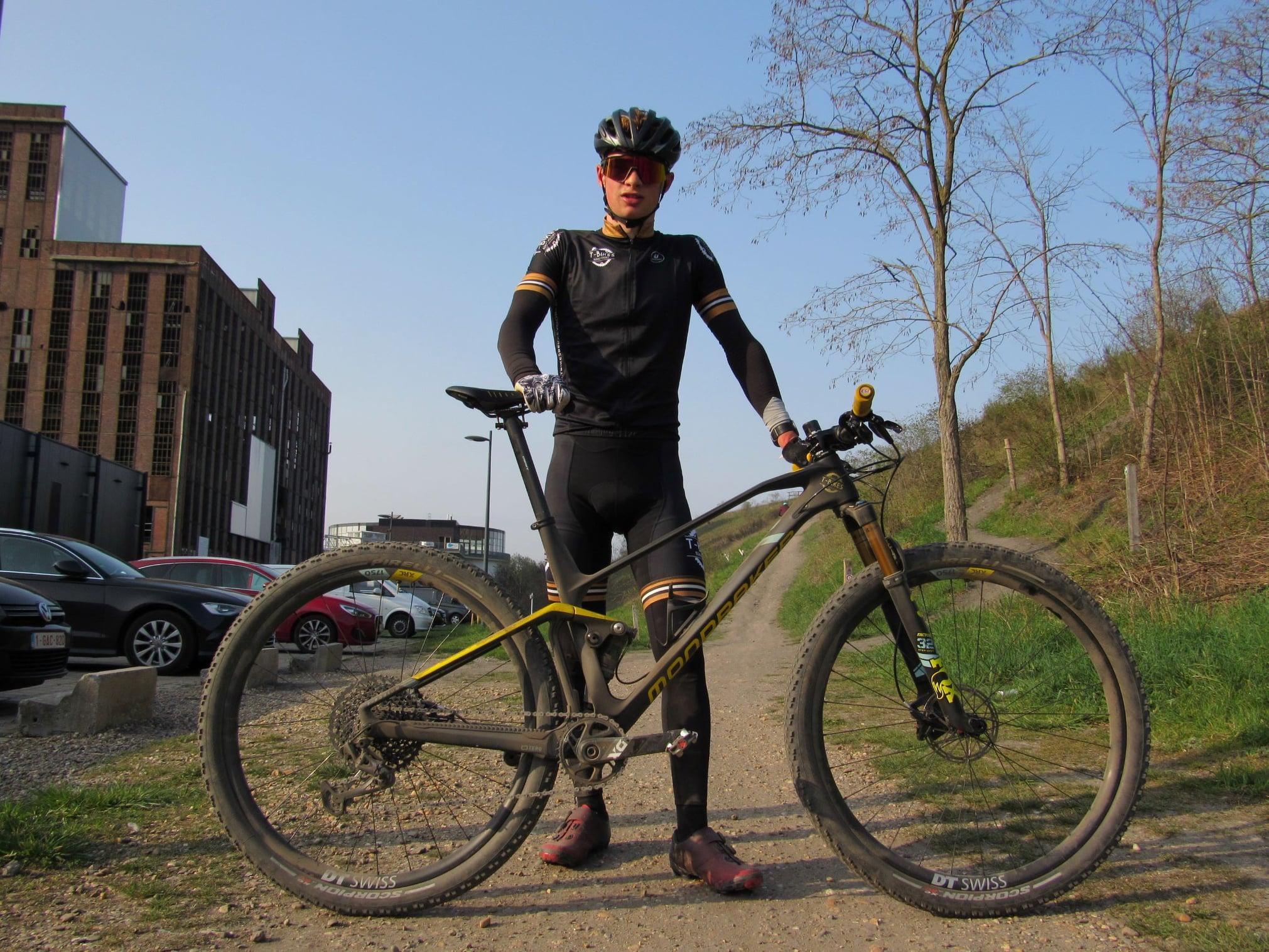 Mountainbiker Sander Hubrechts wil de Beringse mijnterril 150 keer beklimmen voor het goede doel!