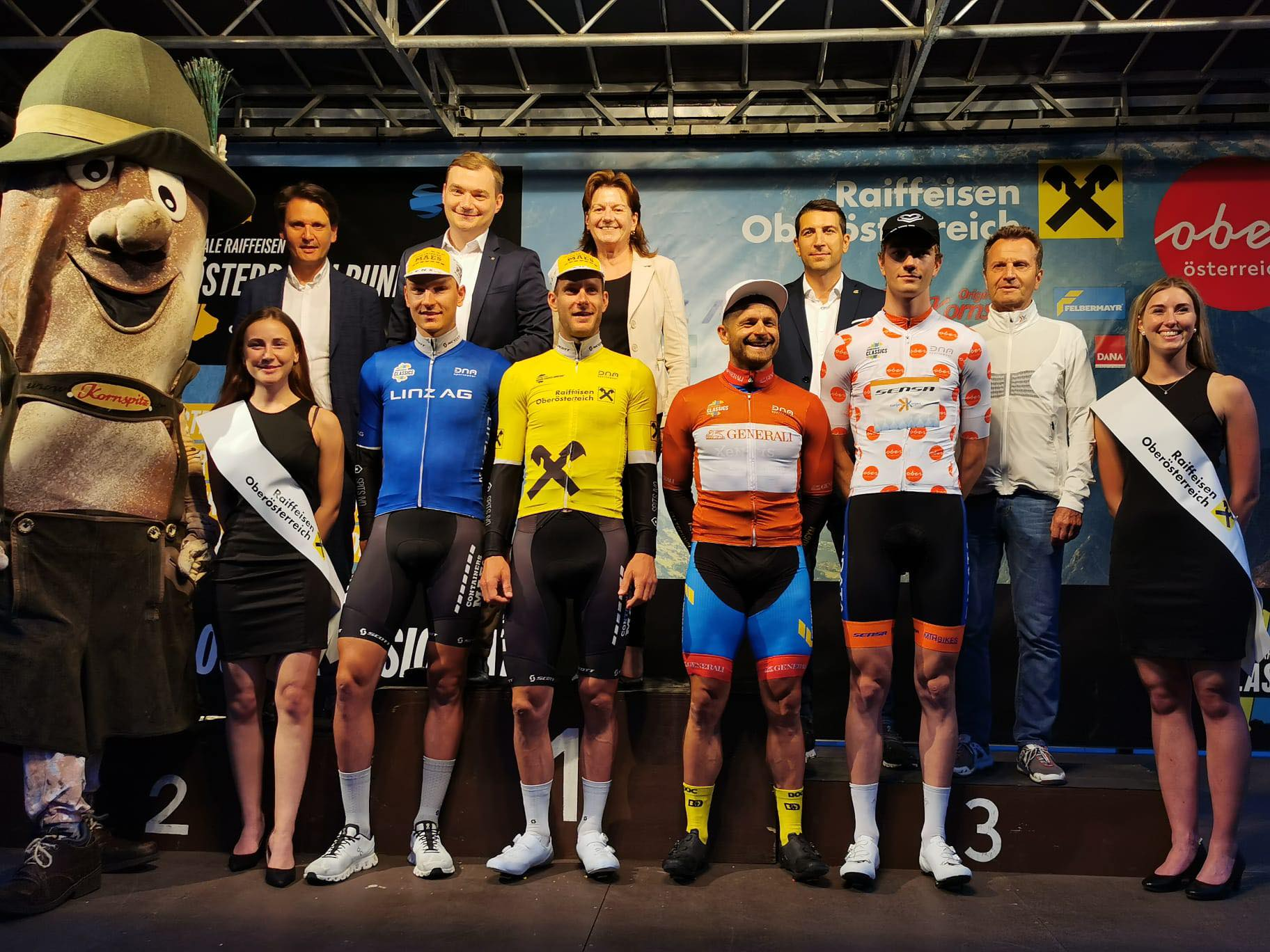 Kwintet van Group Hens – Maes Containers haalt top vijftien in Oostenrijkse proloog! Daan Soete wint, Lander Loockx tweede!