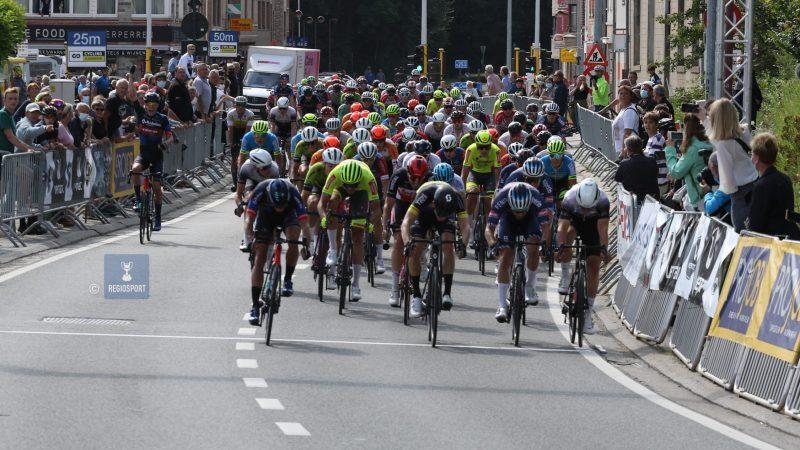 Thibau Nys is de snelste in de openingsrit van de Ronde van Vlaams-Brabant in Huldenberg